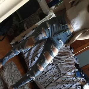 American eagle extremely ripped jeans
